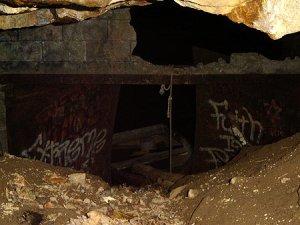 satan_caves_3